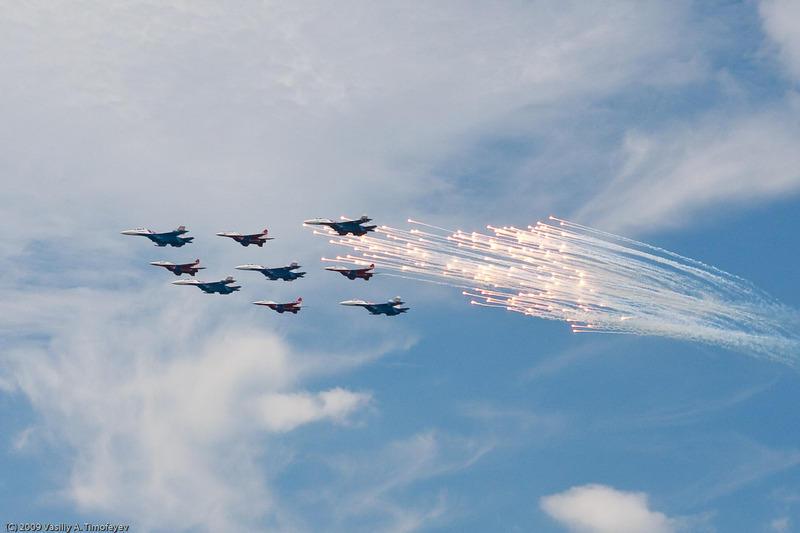 МВМС-2009. Пилотажная группа Стрижи.